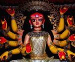 Bengal celebrates Maha Saptami