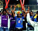 IPL 2015 - KKR Vs MI - Fans