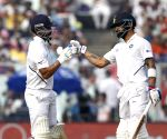 India pegged back as Eng take 3 wickets in 1st session (Ld)