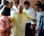 B K Birla at the funeral of his wife