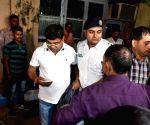 Scuffle between CBI and Kolkata policemen at commissioner Rajeev Kumar's residence