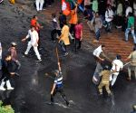 Police use batons, tear gas on BJP protestors in Kolkata