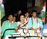 Debashree Roy, Rashid Khan campaign for the TMC