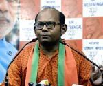 BJP leader chides Bengal intellectuals protesting against CAA