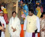WB CM during the 4th Kolkata Christmas Festival