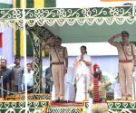 Mamata unfurls Tricolour as Bengal celebrates I-Day