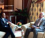Kuala Lumpur: Anil Ambani meets Malaysian PM