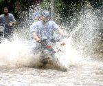 PAKISTAN LAHORE HEAVY RAIN