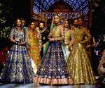 PAKISTAN LAHORE FASHION WEEK