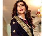 Lakshmi Manchu had a blast hosting SIIMA awards