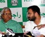Tejashwi meets Lalu Prasad for first time after poll defeat