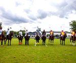 La Pegasus Polo to field team in XPL