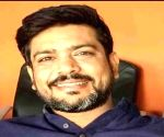 Shukla donates IPL commentary earnings to Covid-19 relief