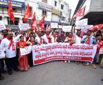 Left parties protest against economic crisis