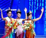 Left to Right: Miss India Universe Ekta Chaudhary, Miss India Earth Shriya Kishore and  Miss India World Pooja Chopra with their winning crown at Femina Miss India Pageant 2009 in Mumbai on April 5, 2009.