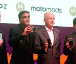Moto launches Z, Z Play, Mods