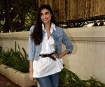 Live audience gives sense of confidence: Athiya Shetty