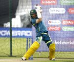 If they can keep wide yorker fields, we can switch-hit: Maxwell