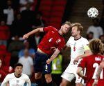 England through to Euro 2020 last 16 as group winners