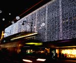 London (Britain): Christmas illuminations