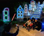 U.S.-LOS ANGELES-CHRISTMAS LIGHT SHOW