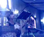 Free Photo: Jasleen Royal recalls restaurant guitarist stint at 16 in throwback vid