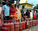 IndianOil ties up LPG imports, fully geared for higher gas demand