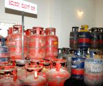 Bangalore : Jewellery and LPG kits recovered by Bangalore City Police