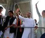 Priyanka wows crowds in Lucknow along with Rahul, Scindia