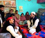 Akhilesh meets family of CAA protest victim in Lucknow
