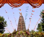2 Buddhist monks engage in scuffle at Mahabodhi temple