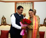 Maharashtra CM meets Governor