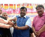 Maharashtra Finance Minister inaugurates Ghasai cashless village