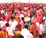 Maharashtra's biggest tribals mass marriage of 500 couples