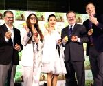Malaika Arora bats for the pear fruit
