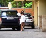 Malaika Arora spotted at Amrita Arora's house in bandra