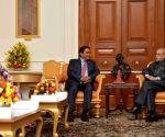 Maldivian President calls on President Mukherjee
