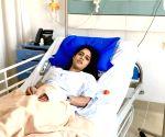 एक्ट्रेस माल्वी मल्होत्रा ने कंगना रनौत और एनडब्लू चीफ से लगाई मदद की गुहार।
