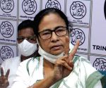 Mamata holds mega roadshow with women activists to counter BJP