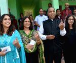 Vote to strengthen democracy: Himachal CM