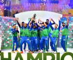 Maqsood, Rossouw guide Multan Sultans to PSL-6 title
