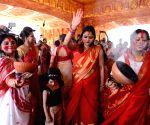 Women perform 'Dhunachi dance