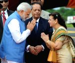 Modi arrives in Mauritius