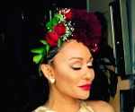 Mel B suffers two broken ribs, injures hand