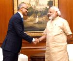 Satya Nadella calls on Modi