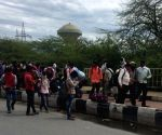Delhi sets up 2 temporary shelters in schools for migrants