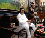 MNS chief Raj Thackeray, mom, sis test Covid-19 positive, CM calls up (Ld)