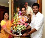 MNS' Shilpa Sarpotdar greets Shiv Sena chief