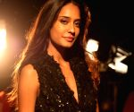 Hardik Pandya, Lisa Haydon to walk for Amit Aggarwal at LFW 2019