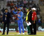 Virat Kohli wins toss, decides to bowl against SA